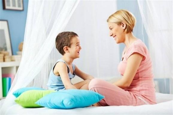 10 أسئلة يجب أن تطرحيها على أولادك اليوم