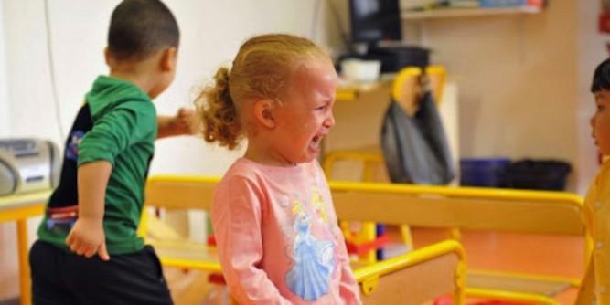 enfant-pleure-ecole
