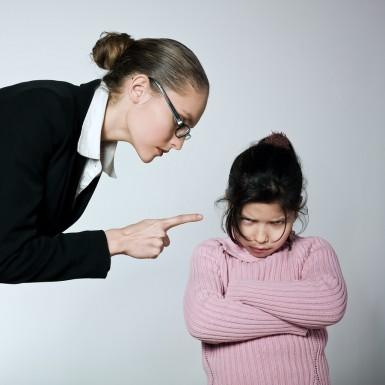 كيفية التعامل مع الطفل سييء السلوك