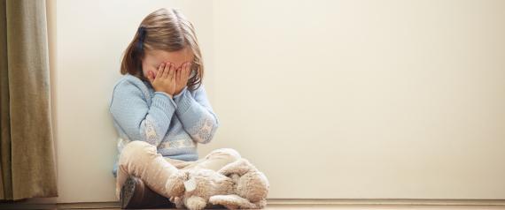 انتبه.. فهذه العلامات تشير إلى التحرش الجنسي بطفلك