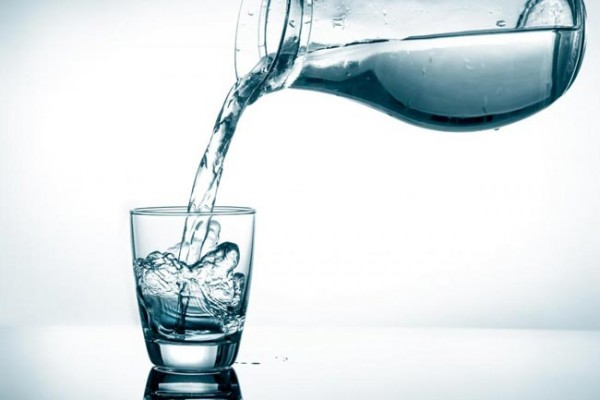 Countless-benefits-of-water-on-an-empty-stomach