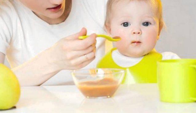 الغذاء المناسب للطفل خلال الثلاث سنوات الأولى من عمره