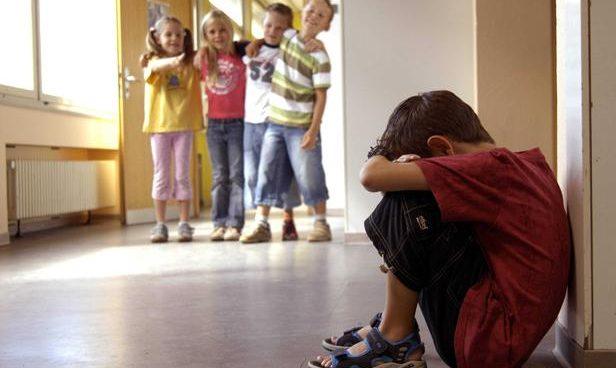 توقفي عن هذه العادات.. حتى لايخاف ابنك من المدرسة!