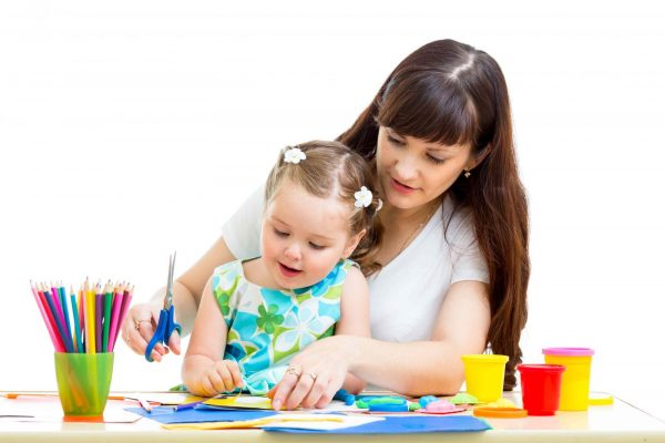 اهم الاقتراحات لتعليم طفلك أساسيات الحياة اليومية..