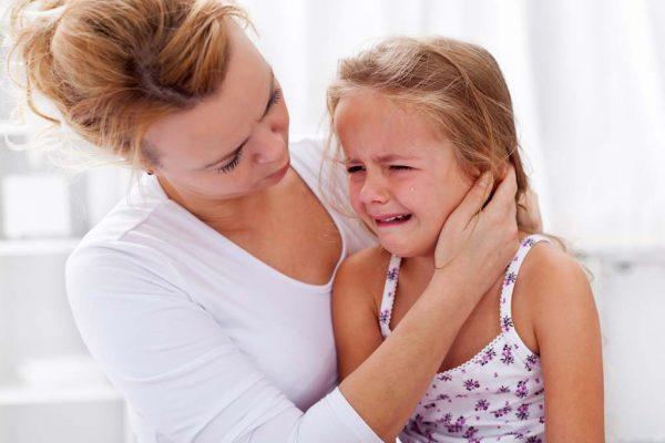 5 كوارث تربوية لا ينتبه لها الآباء في تربية أبنائهم..