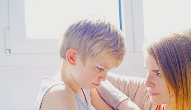ضعف الشخصية عند طفلك.. كيف تعالجي هذه المشكلة..
