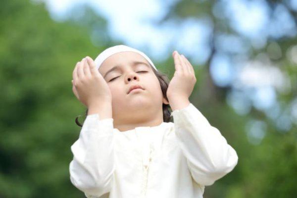 خصائص النمو الديني عند الطفل.. من 3 إلى 5 سنوات