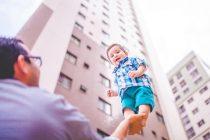 الخطوات العشر الأكثر فاعلية في تربية الأبناء